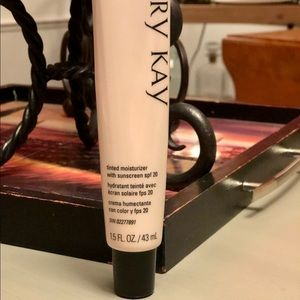 New Mary Kay Tinted Moisturizer- Beige 2